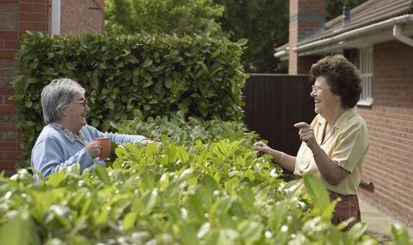 neighbours-Brits-awkward-497924